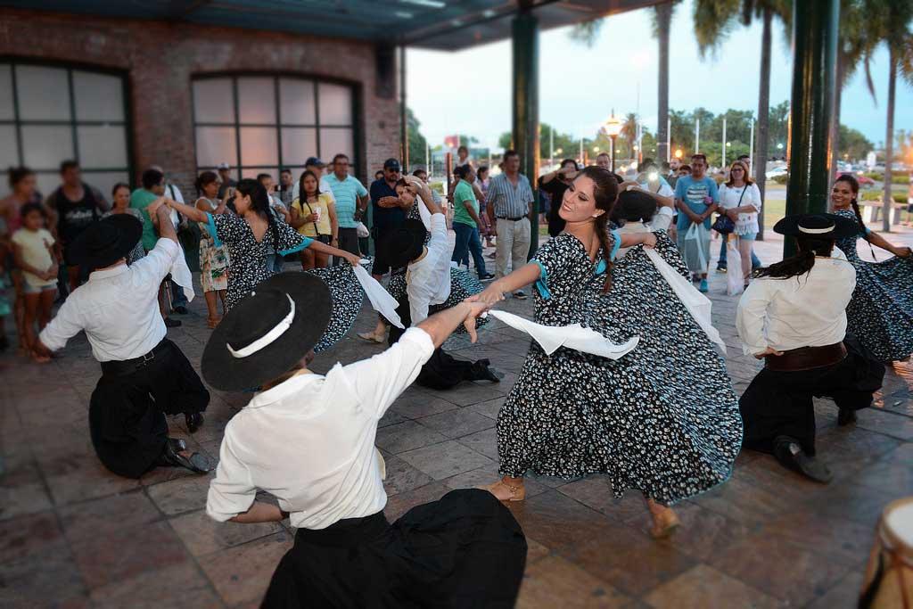 Cultura Vive en las Plazas @ Explanada de la Estación de Ferrocarril Mitre