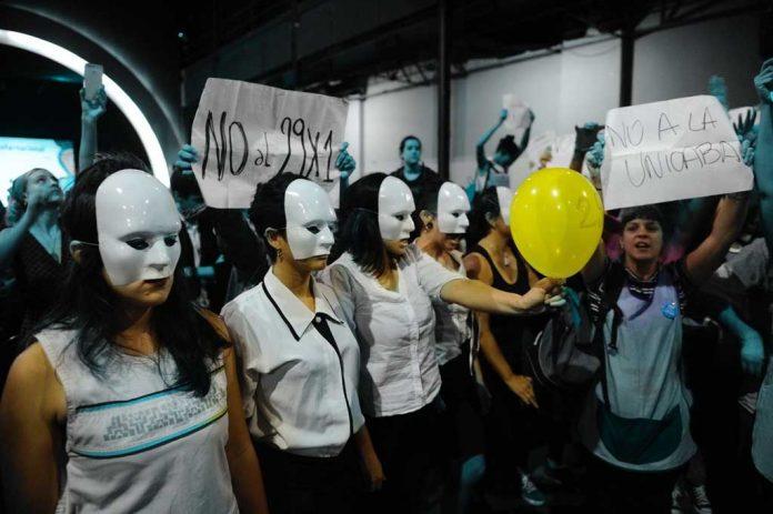 Protesta Feria del Libro