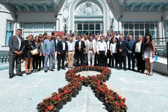 Firma de la Declaración de París - VIH