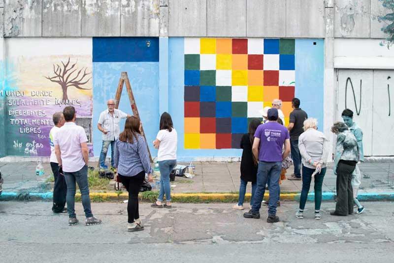 Mural en apoyo a Bolivia